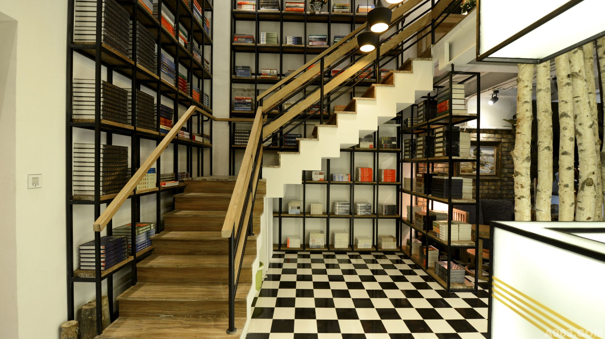 方管木室内楼梯